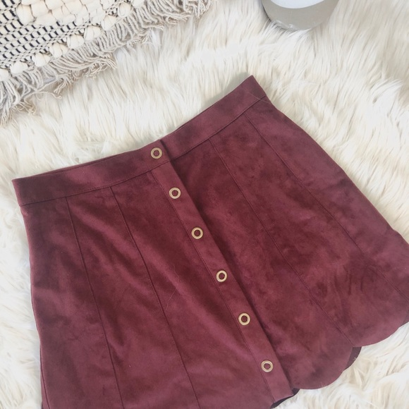 Kendall & Kylie Dresses & Skirts - Kendall and Kylie maroon suede skirt